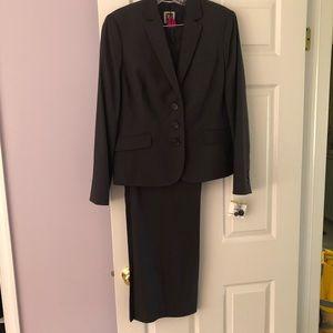 Anne Klein Pants Suit Size 14 New